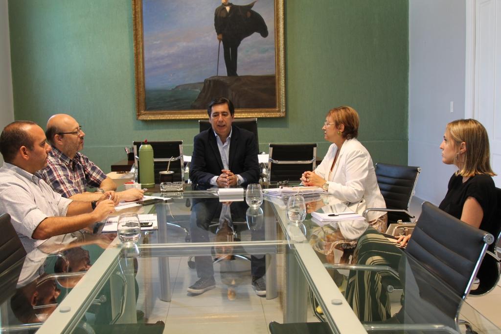 Gustavo Martìnez junto a la defensora general Alicia Alcalà evalúan situación del predio María Sara