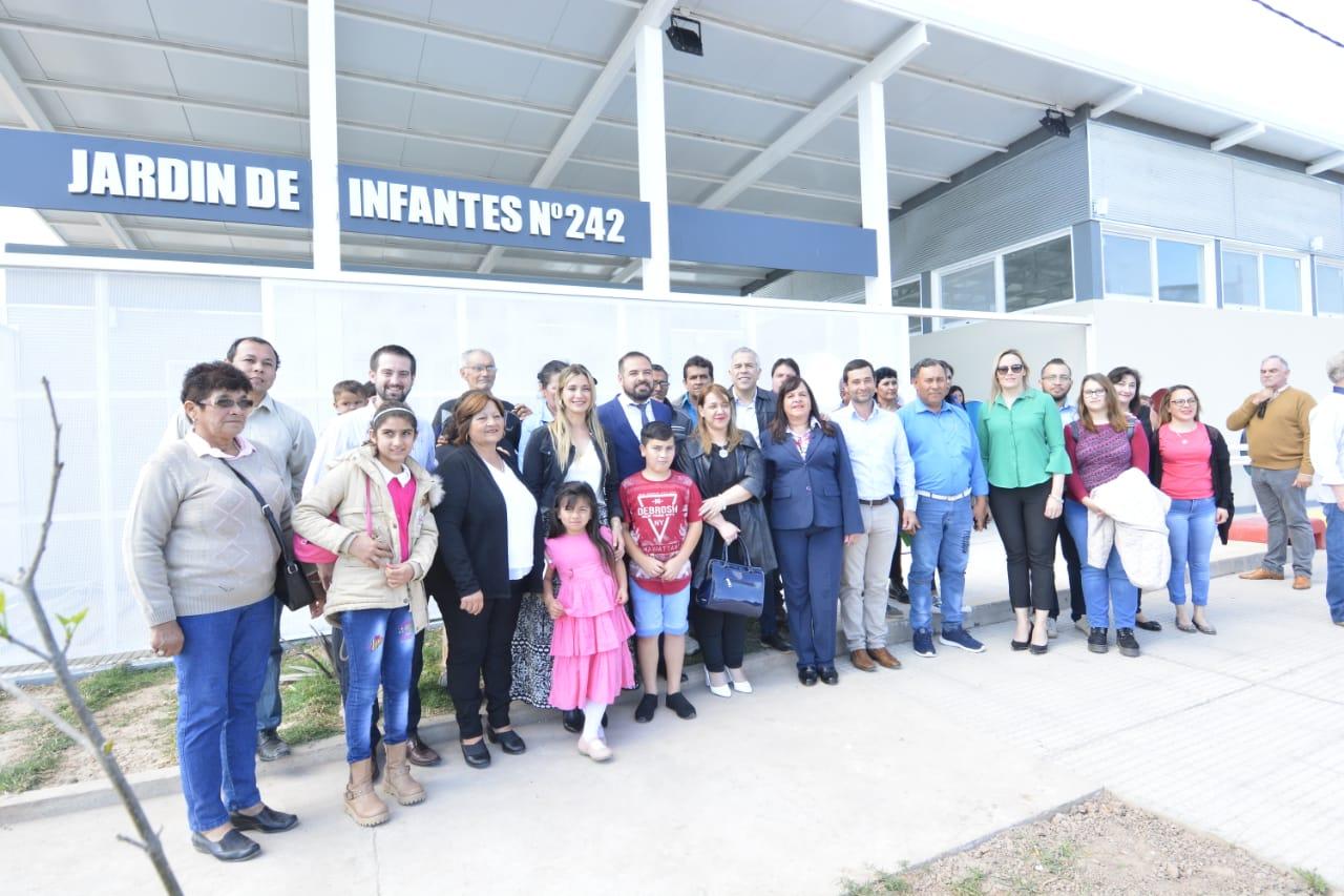 Inauguracion-de-jardin-de-infantes-242-19-09-25-03