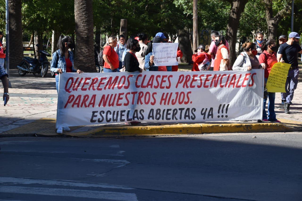 Mujeres-al-Frente-Reclamo-de-clases-presenciales-21-01-19-04