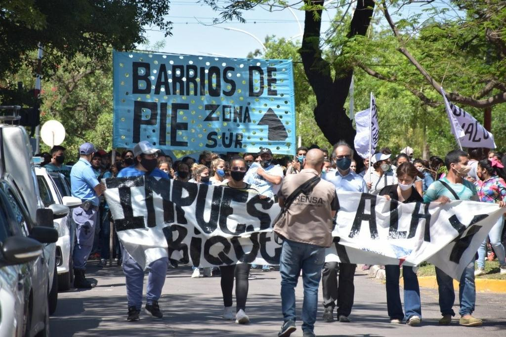 Barrios-de-Pie-represion-II-20-11-16-04