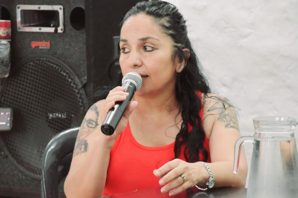 Conferencia-de-prensa-solidaridad-con-biblioteca-20-12-29-02