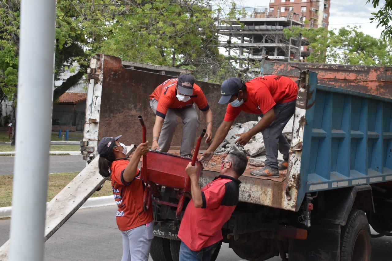 Mujeres-al-Frente-Limpieza-Escuela-33-21-03-05-03